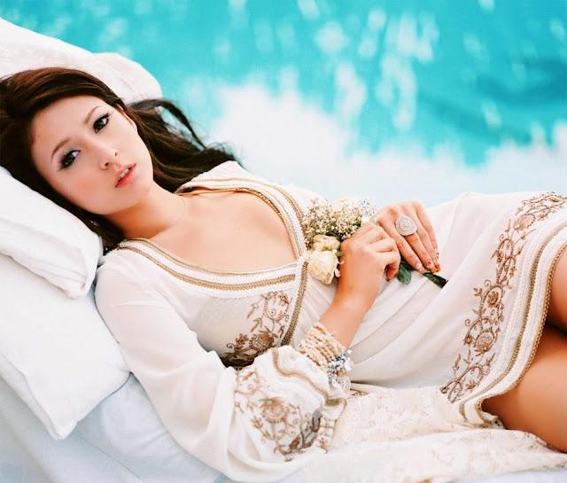 Beautiful Leah Dizon