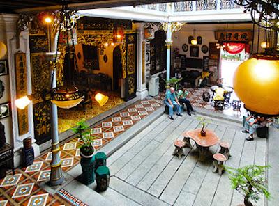 Peranakan mansion inside