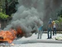 La tarde hoy encapuchados protestan en la UASD ante llamado a paro indefinido