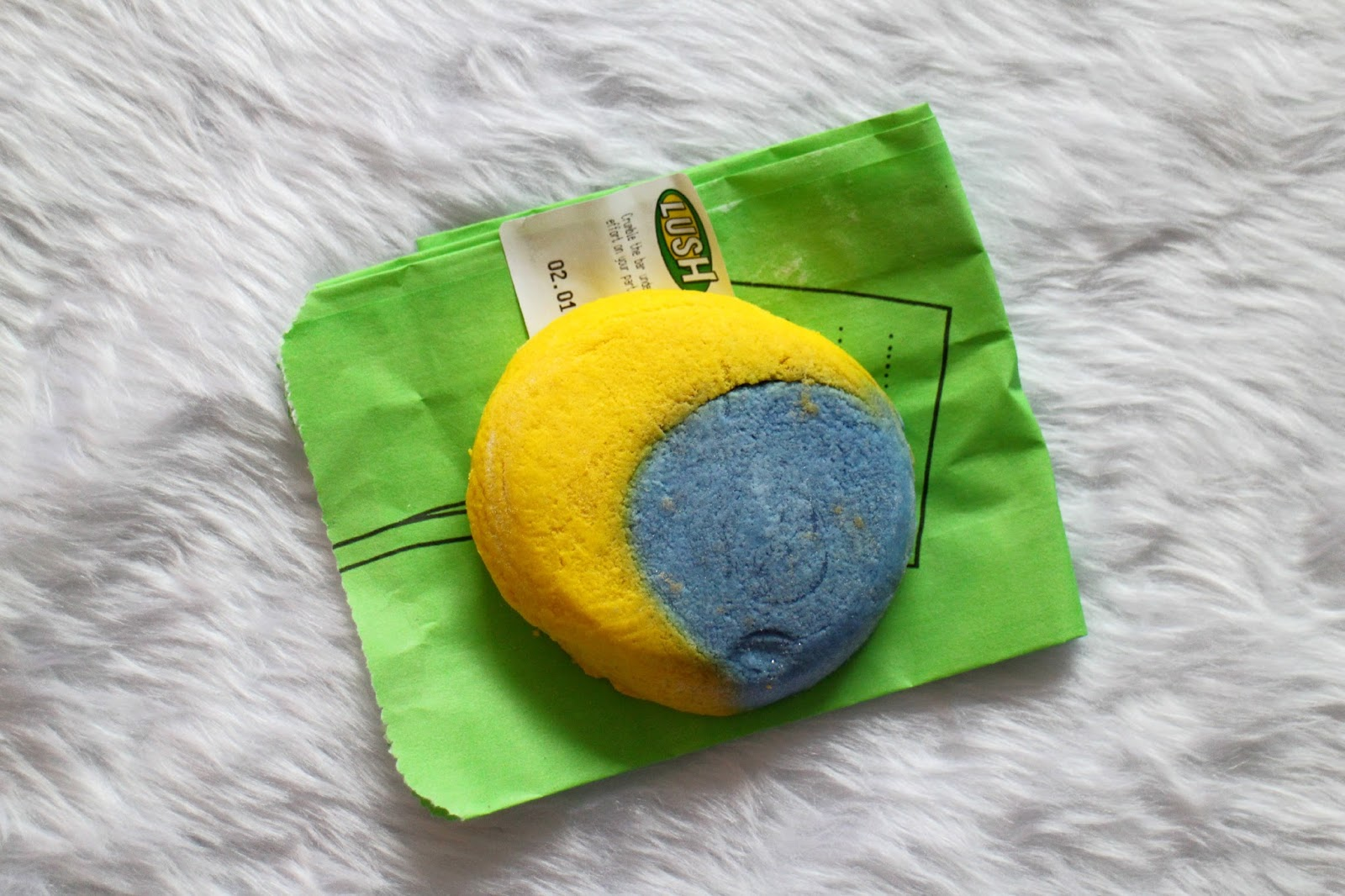Lush Christmas Eve Bubble Bar Review