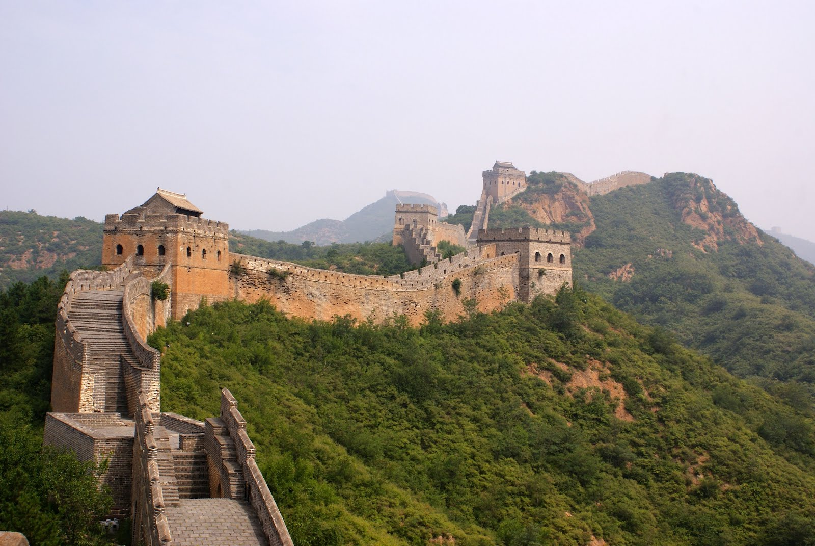 http://1.bp.blogspot.com/-47NV1lheegw/UGMM_Nnr7tI/AAAAAAABJyc/fmMgnFYODFU/s1600/vista-espectacular-de-la-muralla-china-grandes-maravillas-de-nuestro-planeta-.jpg