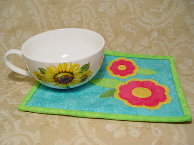 Sunflower Happiness Mug Rug Using An Accuquilt Die In A