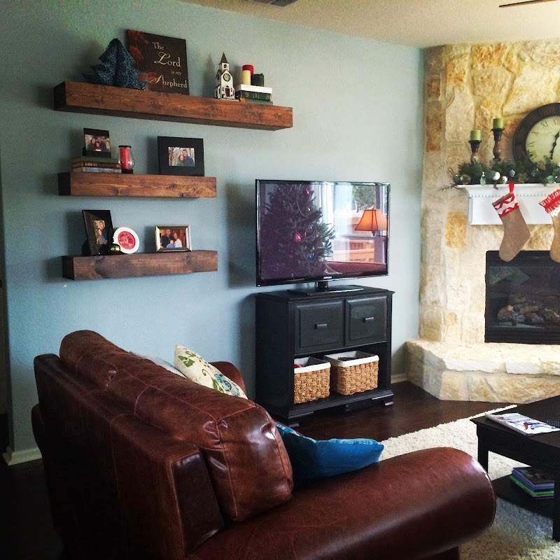 Floating Shelves around a Wall Mounted TV Ideas