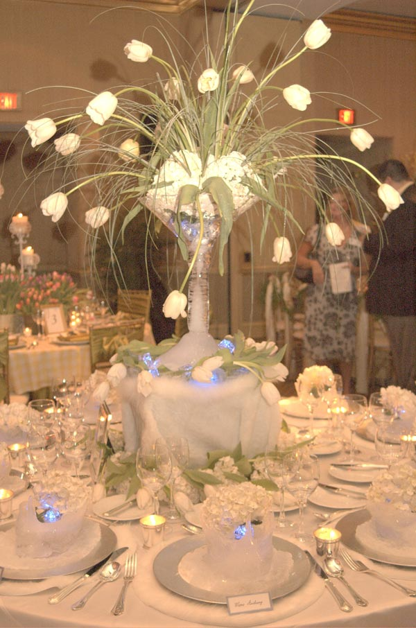 Let 39 s plan weddings on a budget winter wedding decoration for Winter themed wedding centerpieces