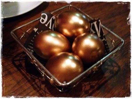 Huevos de Oro de Aperitivo en Arabian Rock