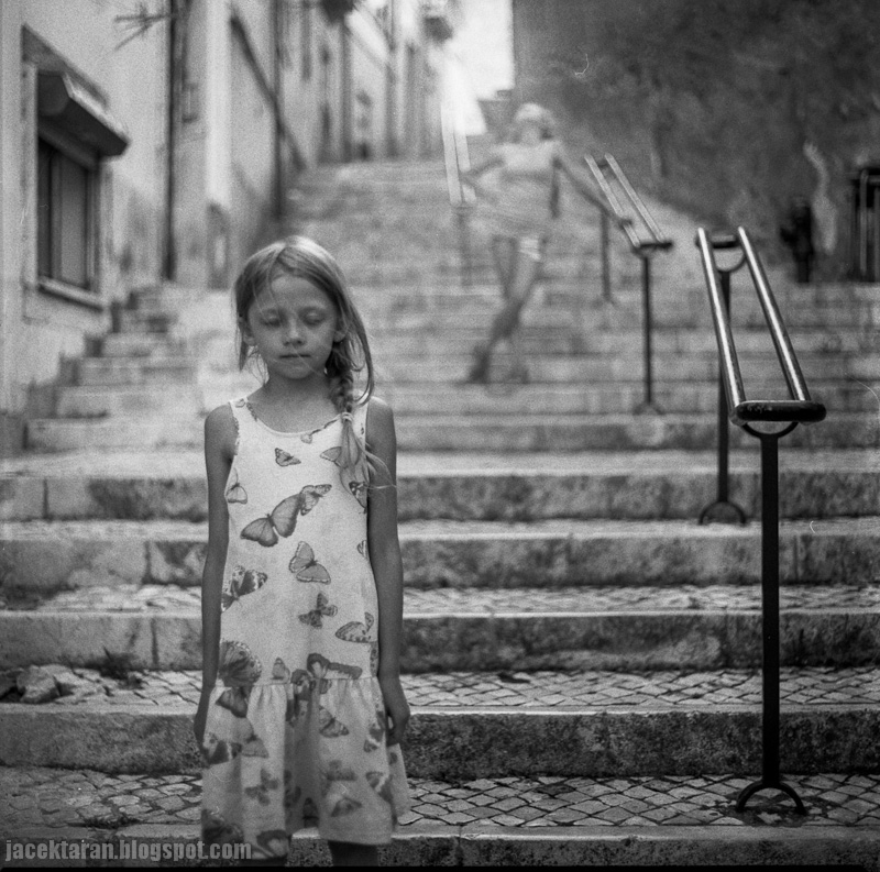 lizbona, fotografia analogowa, 6x6, kiev, dzieci, schody