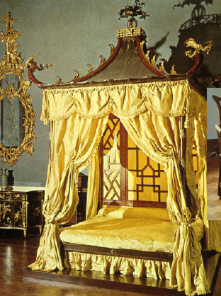 ... common in Chinoiserie style. This beds headboard is a great example