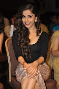 Aparna Bajpai sizzling photo shoot-thumbnail-13