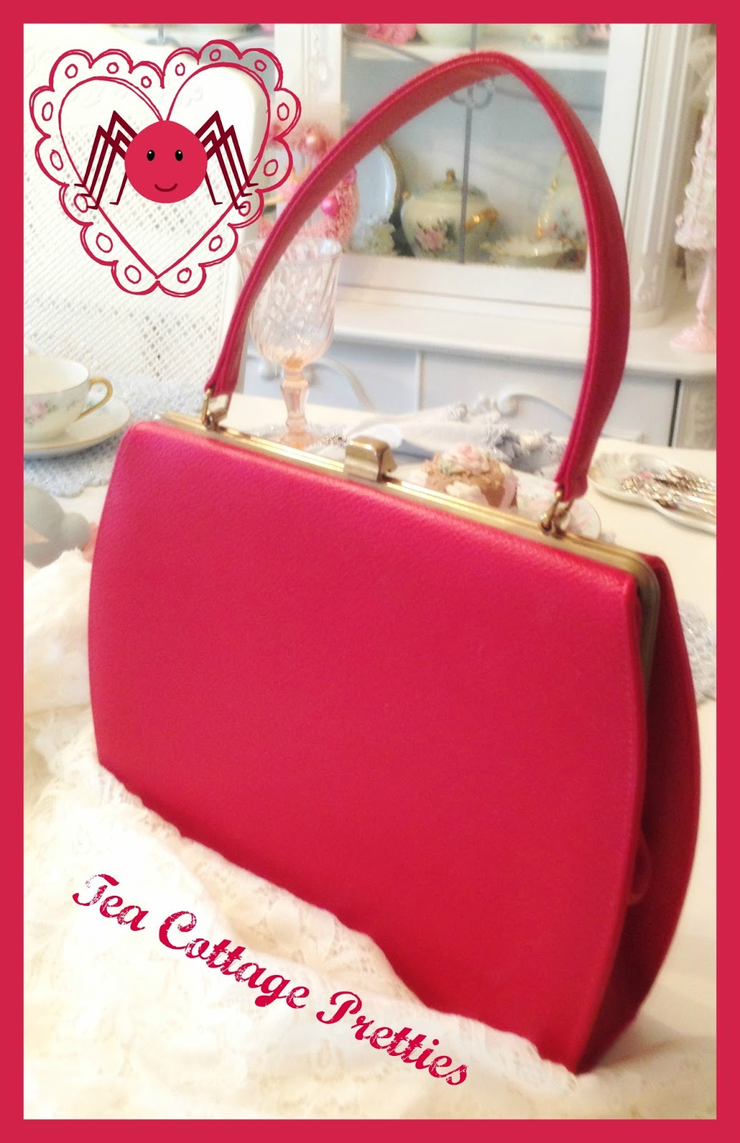 Tea Cottage Pretties: VINTAGE HANDBAGS ON PARADE