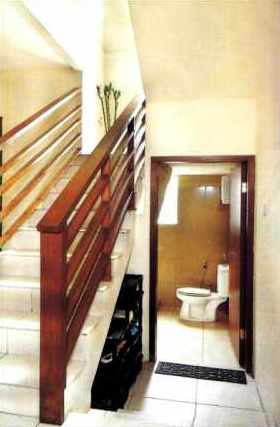 Attirant Under Stairs Bathroom
