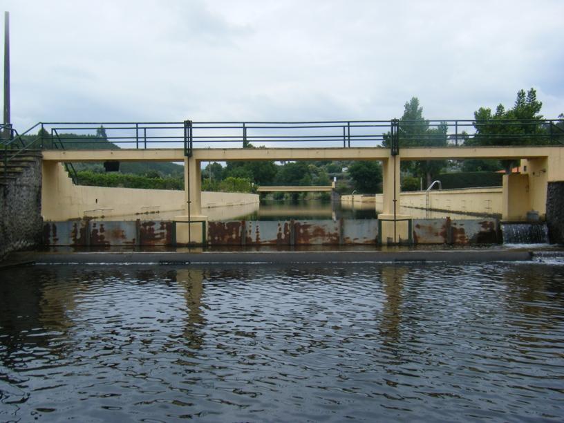 Ponte Pedonal sobre a Ribeira