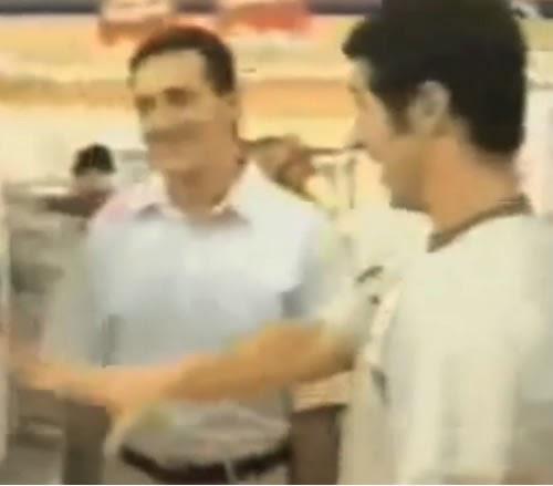 """Série de propagandas das Casas Bahia com o polêmico bordão """"Quer Pagar Quanto?"""" apresentado no começo dos anos 2000."""