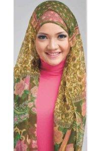 Elzatta Selendang Selika Kalyra - Hijau Krem Kombinasi (Toko Jilbab dan Busana Muslimah Terbaru)
