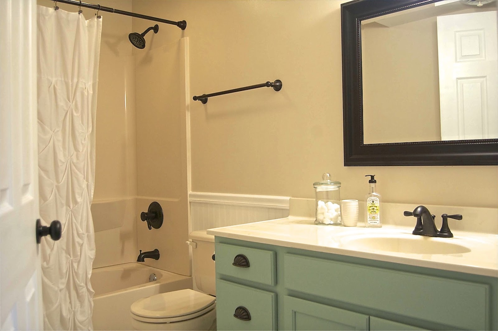 Home Design Ideas Bathroom Makeover - Low cost bathroom makeovers