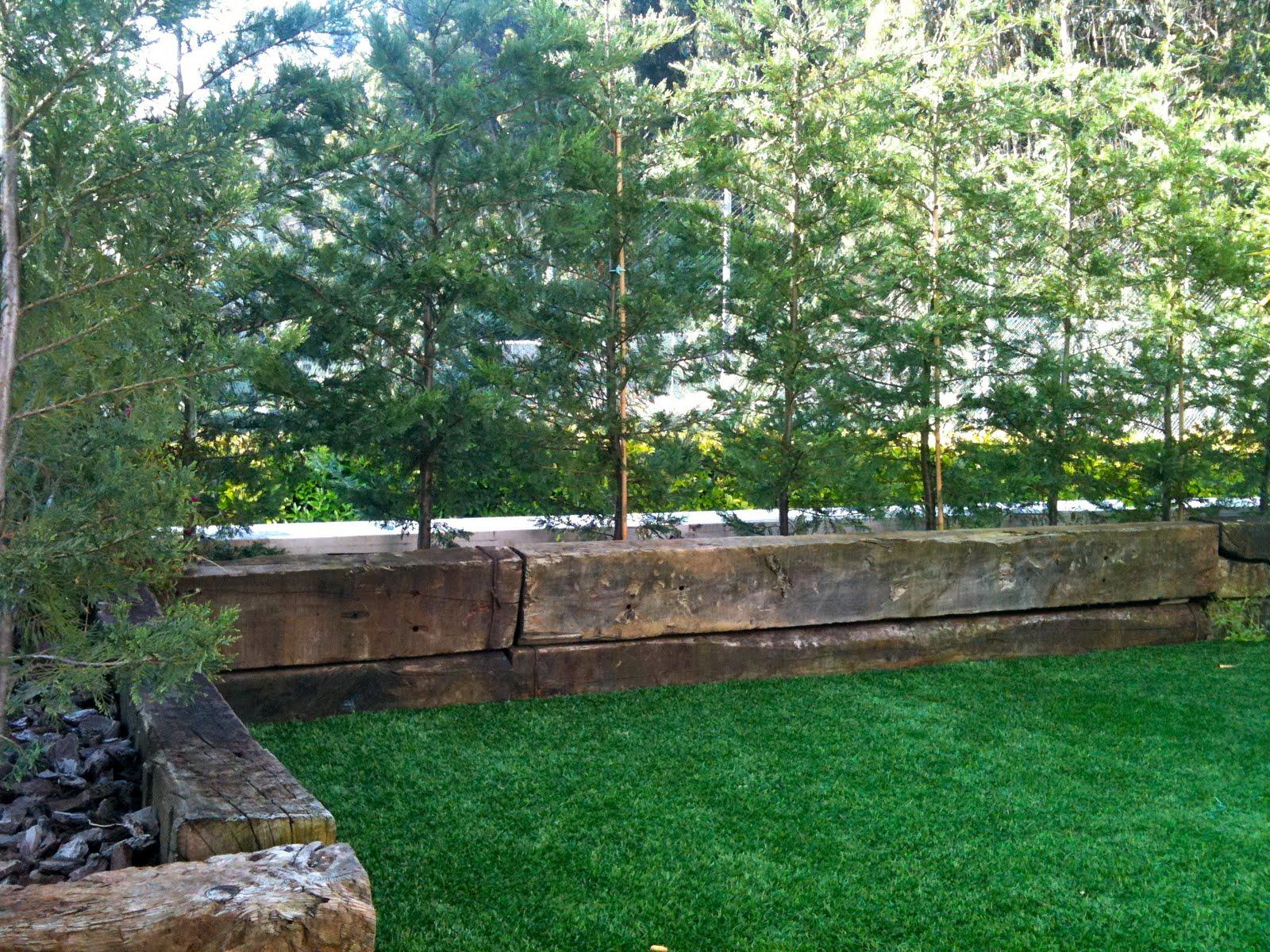 Maceteros y jardineras c a jardineras con traviesas de tren for Jardineras con palets de madera