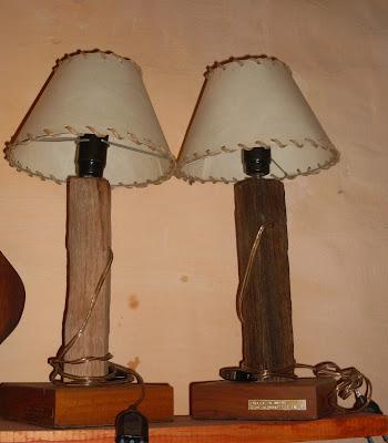 El desv n taller de hierro y madera ta 39 bueno - Lamparas de madera rusticas ...