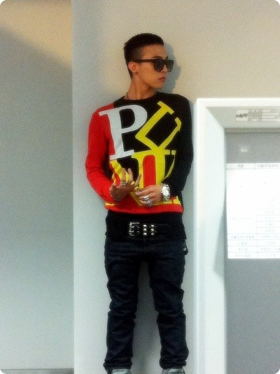 G-Dragon  Photos - Page 2 O0400053511518004583