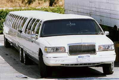 La limusina más larga del mundo The world's longest limousine