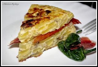 tortilla con setas variadas y jamón ibérico