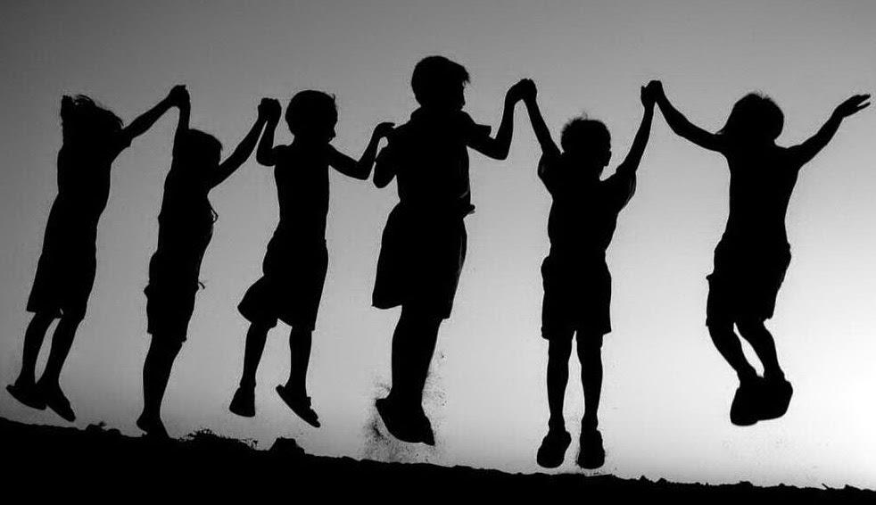 Mengenalkan Dunia Pertemanan Pada Anak