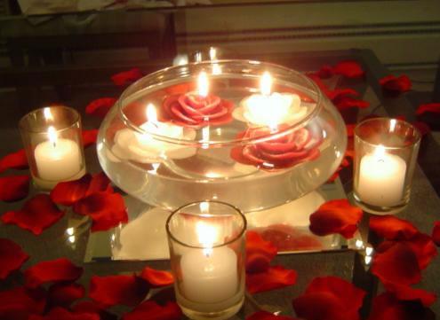 Decoraci n p talos y velas for Adornos navidenos con copas y velas