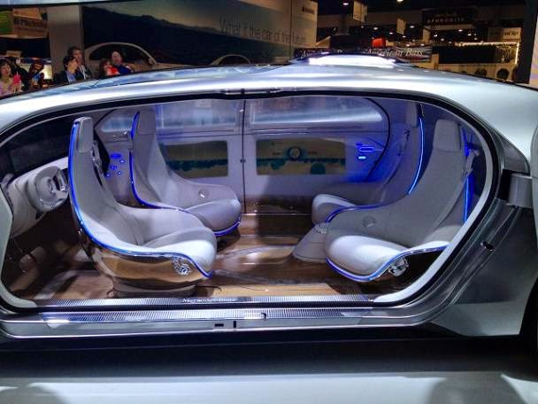 interior-Mercedes-Benz F 015