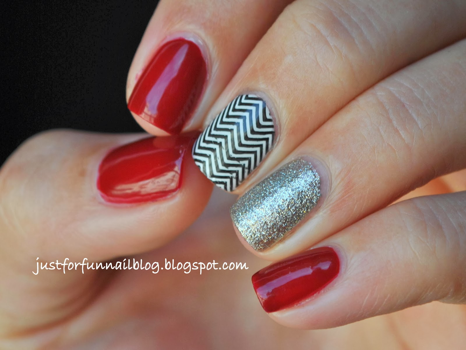 Deep Red (Chic - 289 Obsession), Glitter & Chevrons