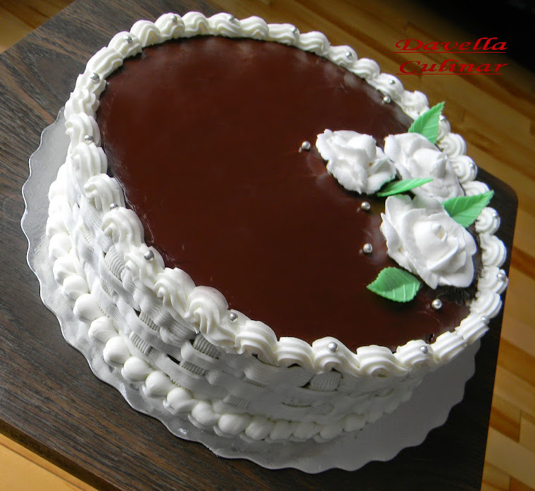 Gâteau Rose Blanc