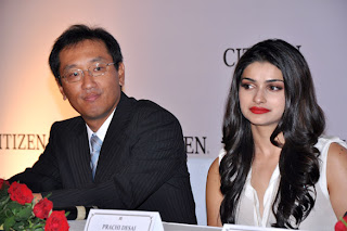 Prachi Desai at unveil of Citizen L collection