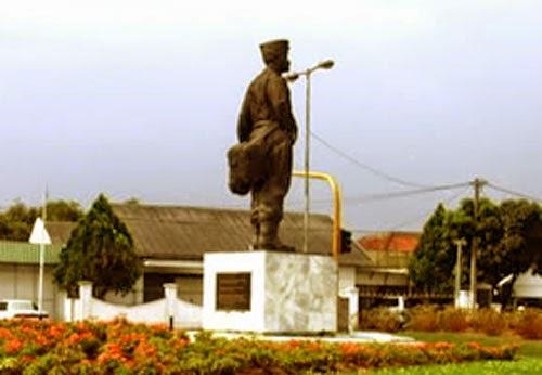 Monumen Hussein Sastranegara