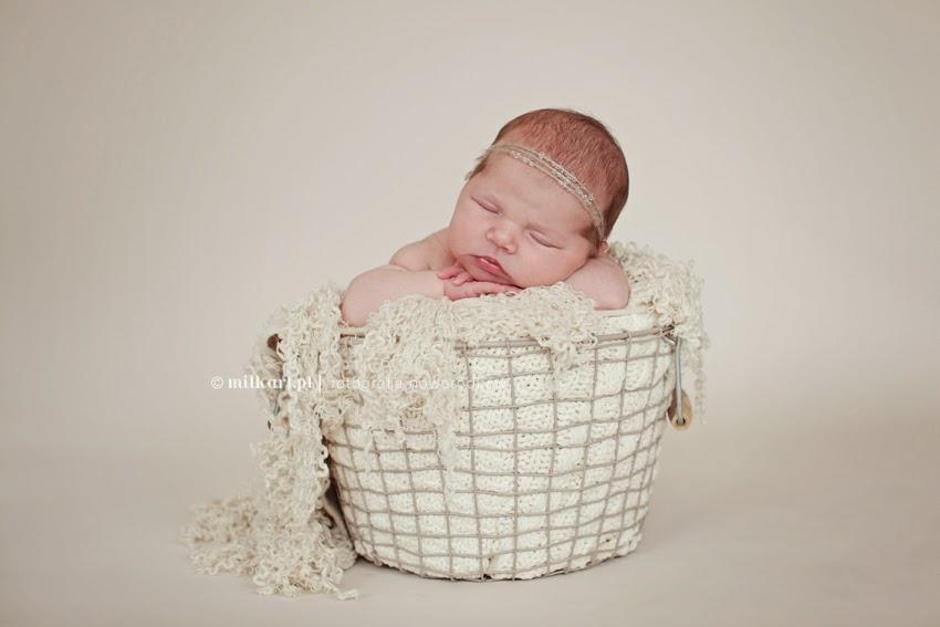 sesja zdjęciowa noworodka, fotograf dziecięcy, sesje rodzinne, zdjęcia niemowlaków w poznaniu