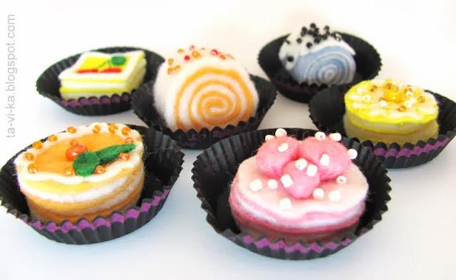 игрушечные пирожные