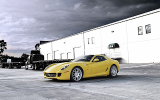 Ferrari 599 GTB Parking HD Wallpaper