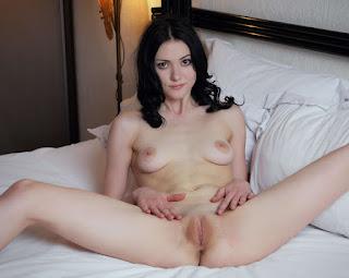 cute girl - rs-8491-756243.jpg