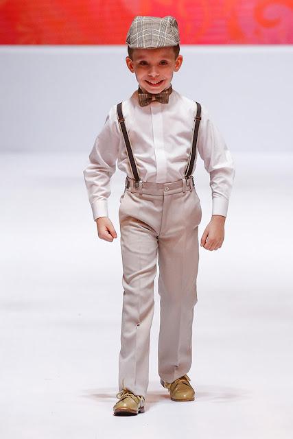desfile moda pajem retrô vintage