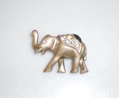 Ezüst színű elefánt kitűző