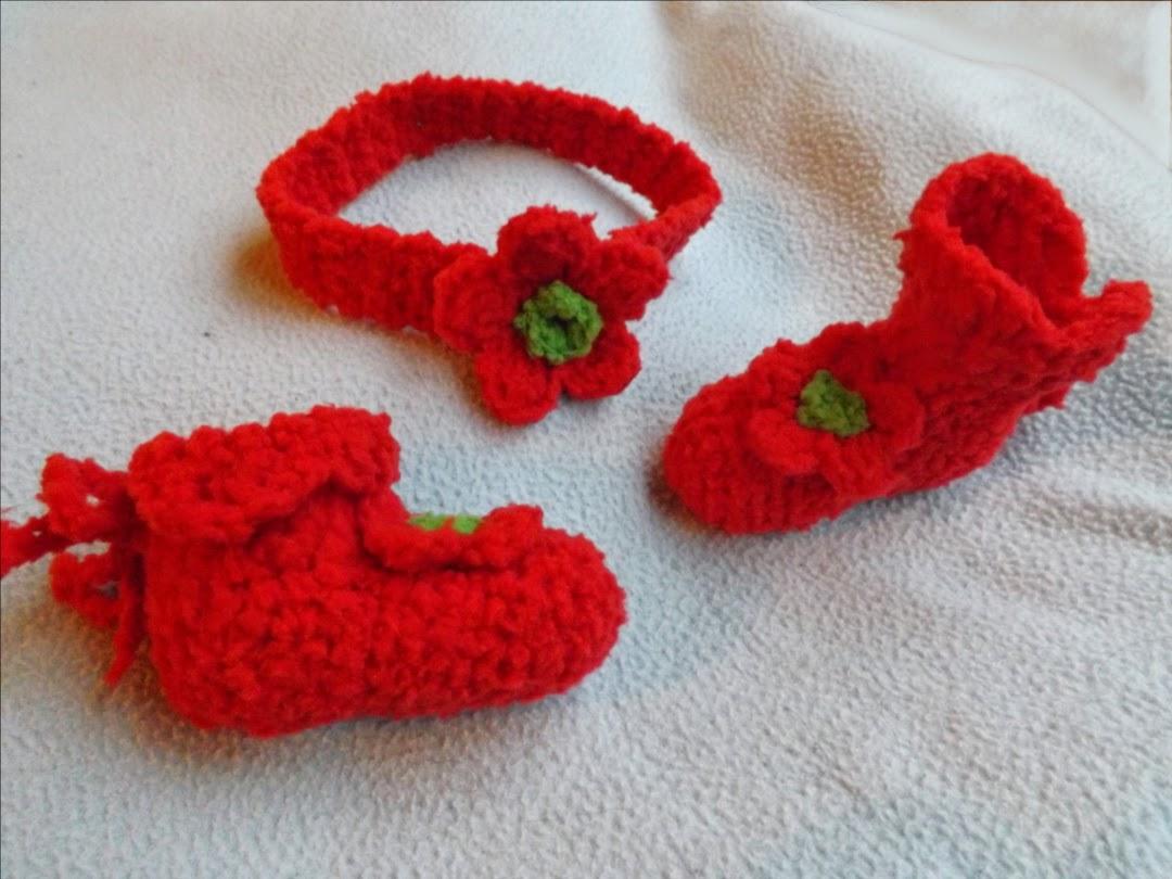 patucos bebé, escarpines bebé tejidos a ganchillo o crochet y diadema