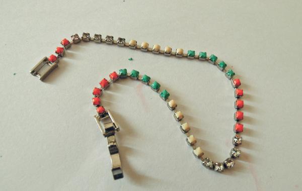 DIY: bijuteria colorida com esmalte!