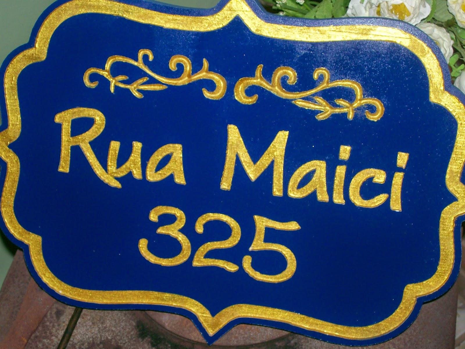 placas com o numero da loja