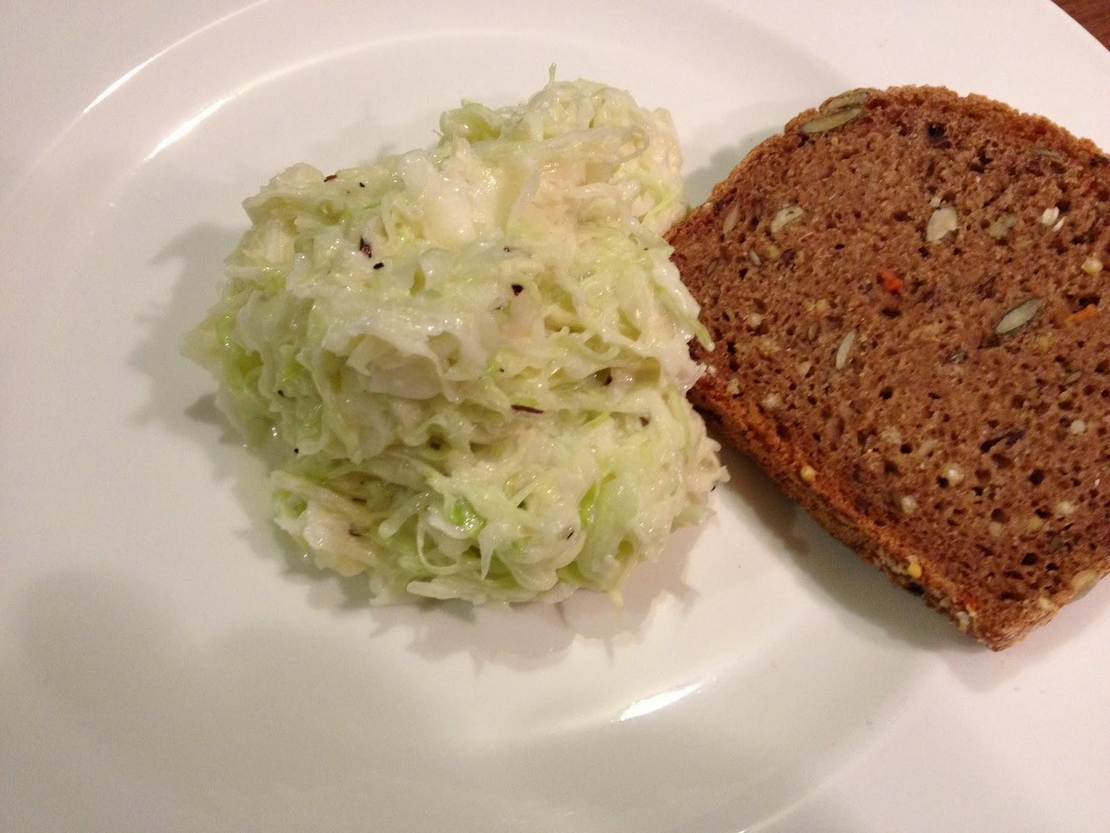 Krautsalat mit Sauerrahm