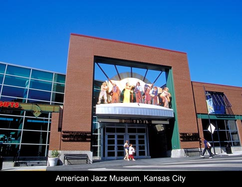 &lt;img src=&quot;image.gif&quot; alt=&quot;American Jazz Museum Kansas City&quot; /&gt; 