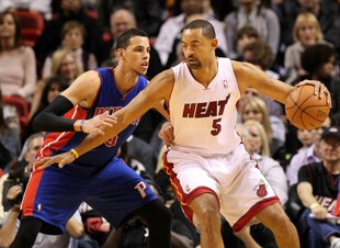 Juwan Howard signs 10-day with Heat