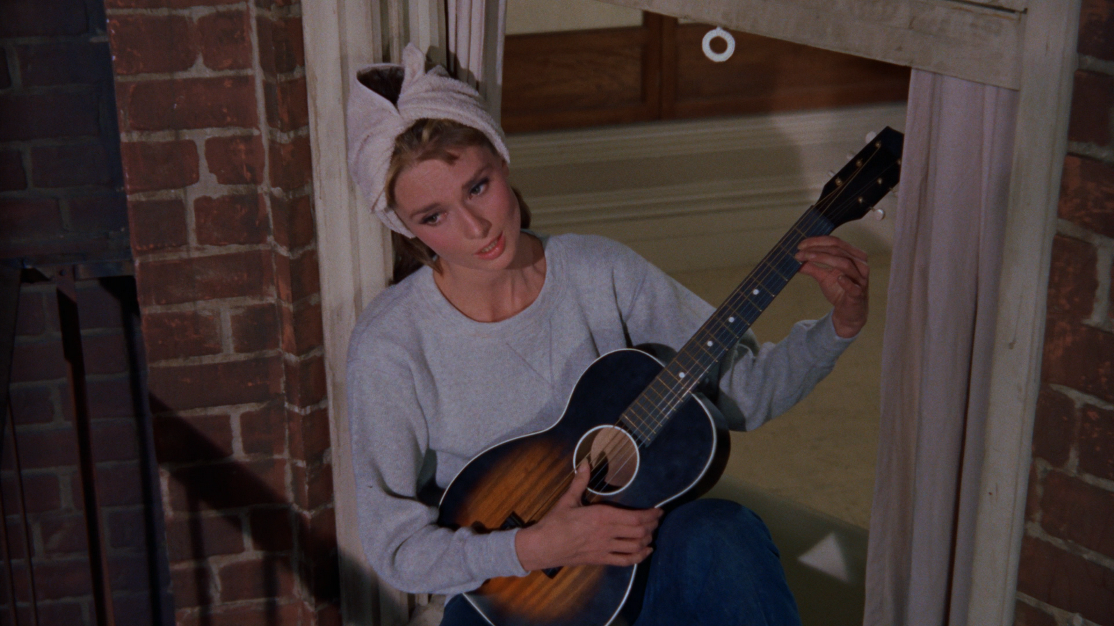an analysis of the movie breakfast at tiffanys Breakfast at tiffany's is a 1961 american romantic comedy film directed by blake  edwards and written by george axelrod, loosely based on truman capote's.