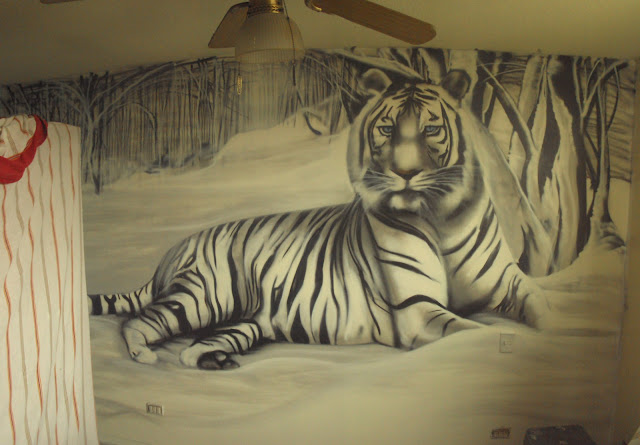 graffiti de izak en habitación, antofagasta, chile