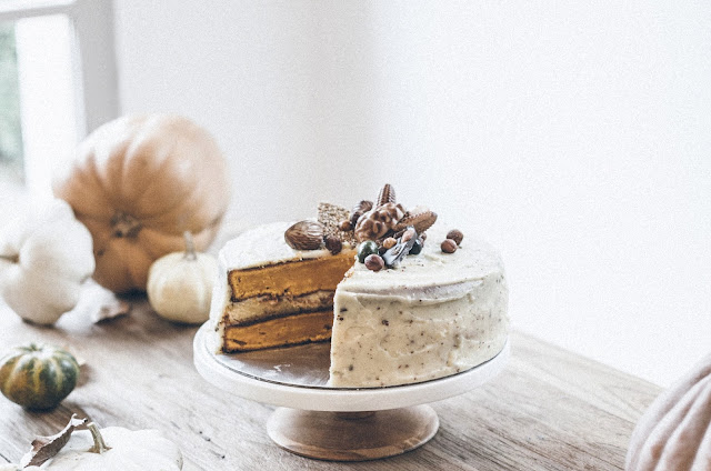 PUMPKIN & CREAM CHEESE LAYER CAKE