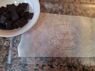 taza de café hecha de chocolate