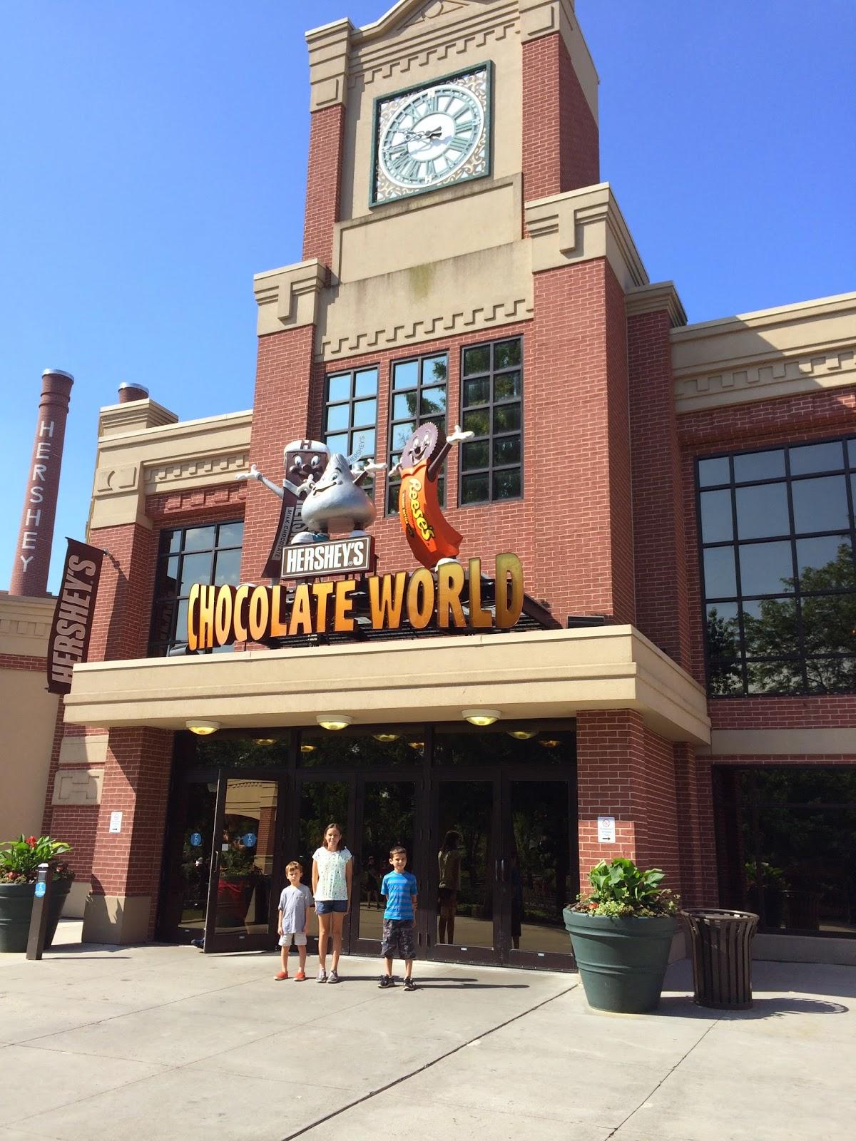 Carful of Kids: Hershey's Chocolate World and Niagara Falls at Night