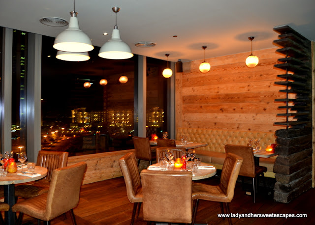 modern-rustic seafood restaurant