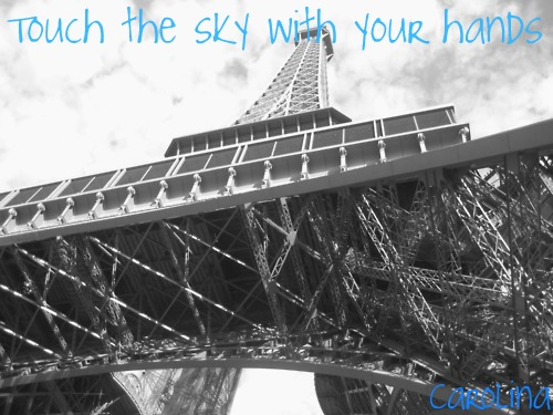 Touch the sky with your hands♥