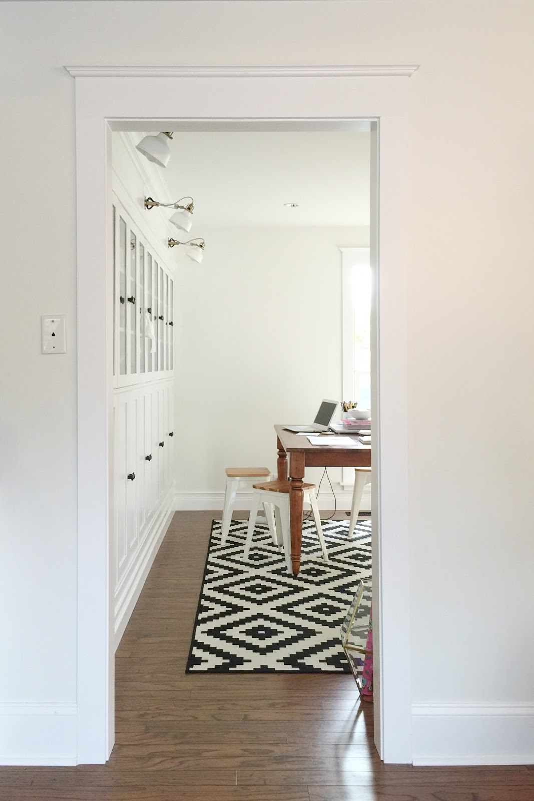 Avery Street Design Blog: DIY Summer School // Updating Doorway Trim